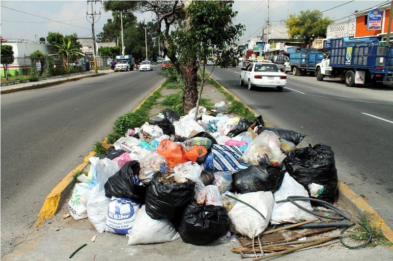 HABRÁ MULTAS PARA QUIEN TIRE BASURA EN LAS CALLES DE ECATEPEC.