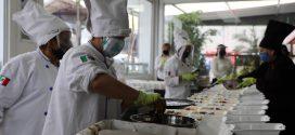Reparte Univamex hasta 5000 raciones de comida durante la pandemia, a familiares de internos en hospitales de Ecatepec